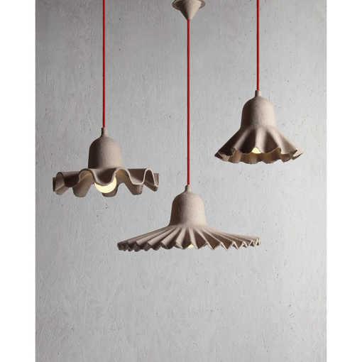 лампа от рециклирани материали