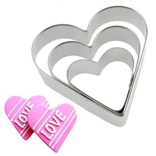 Снимка на Комплект метални форми за сладки сърца резци за тесто сърце 3 броя