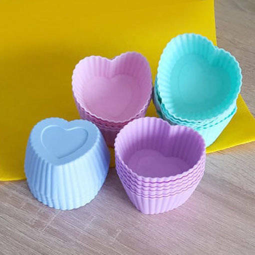 Снимка на Комплект от 6 броя силиконови форми за мъфини сърца мини кексчета