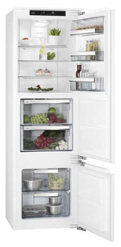 Хладилник с фризер за вграждане AEG - SCE81821LC
