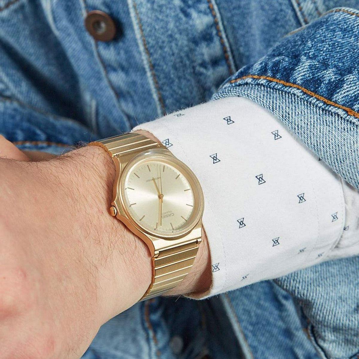 Часовник Casio MQ-24G-9EEF